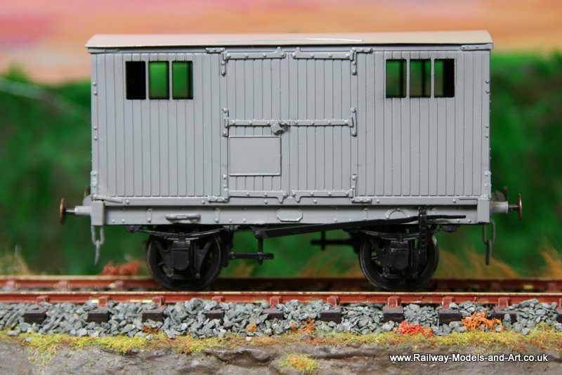 Dragon Models NBR-LNER Avery Tool Van