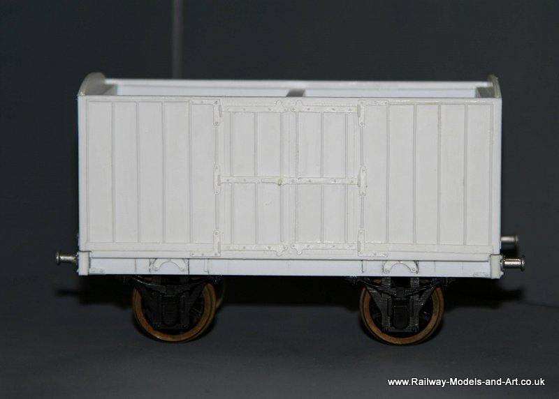 Silhouette Cut NBR 8 ton Jubilee Van