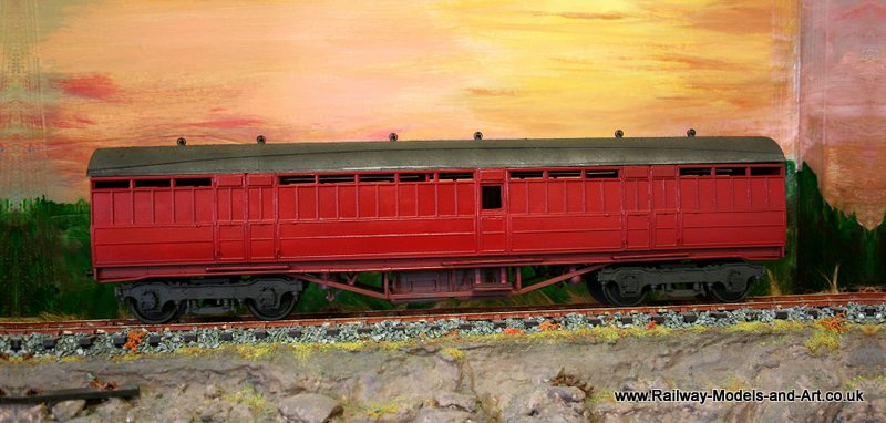7mm scale Enhanced Kirk Parcels Coach